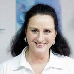 Kosmetikerin und Inhaberin des Kosmetikstudios Ellen Ritz